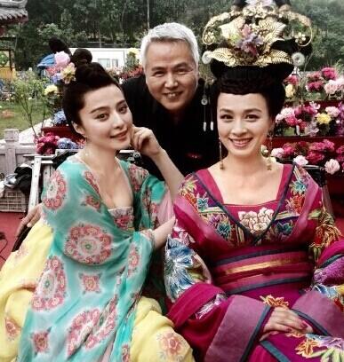 """[视频]张庭拍戏不""""波涛"""" 网友称你老公在"""