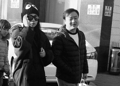 [视频]春晚语言二审举行 郭冬临疑似搭档刘涛