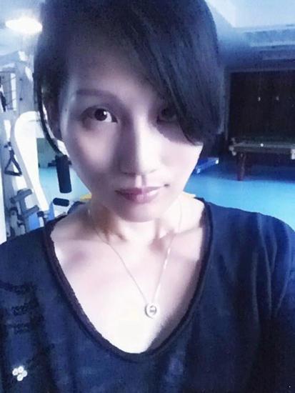 [视频]邓超14岁迪厅跳舞 姐姐近照似袁泉(图)