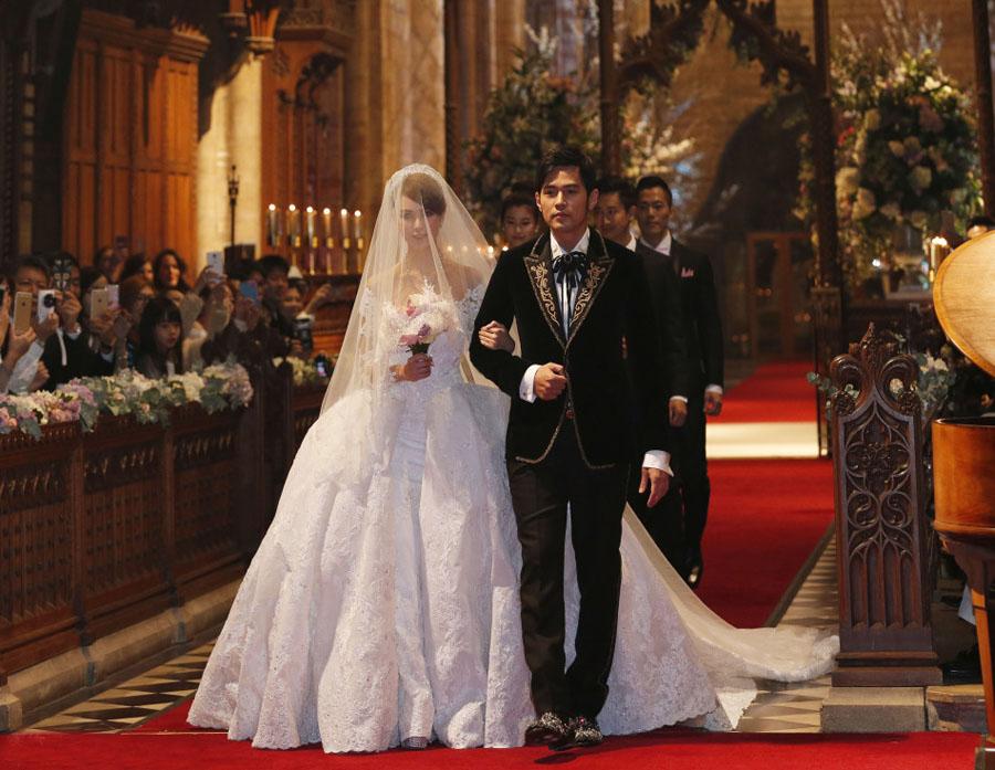 [视频]周杰伦、昆凌英国Selby Abbey教堂婚礼画面与音乐