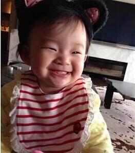 [视频]大S晒9个月女儿笑脸萌照:狠狠爱她一辈子