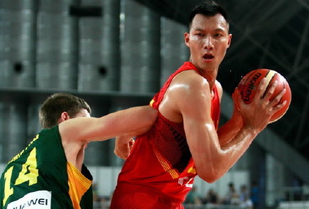 [视频]中国男篮险胜立陶宛 易建联回归首秀拿下19分
