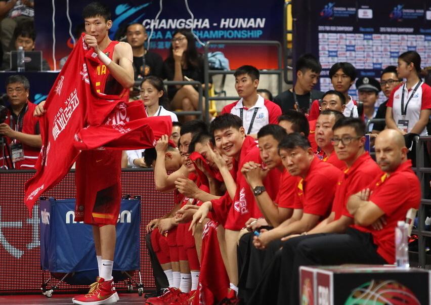 [视频]男篮亚锦赛-中国男篮首战49分大胜新加坡