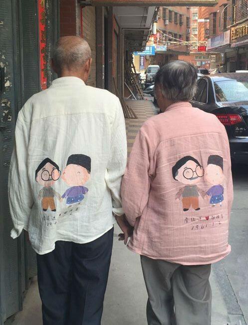 老夫妻恩爱卡通图片_中国老夫妻恩爱_恩爱老夫妻牵手