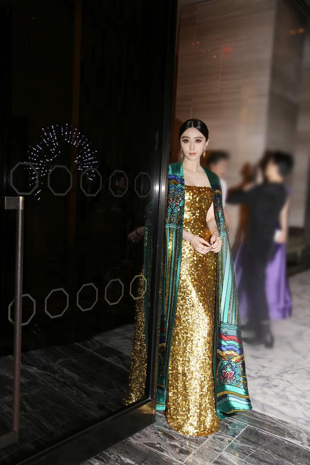 [视频]范冰冰入选全球十佳红毯造型 被评华人第一美