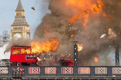 [视频]成龙爆破戏遭投诉 伦敦市民吓坏以为恐袭