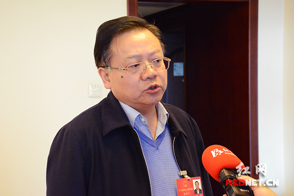 全国人大代表、郴州市委书记易鹏飞接受红网时刻新闻专访。