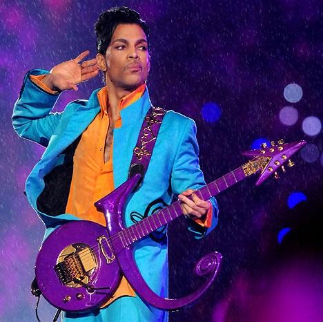 [视频]美国传奇歌手Prince去世享年57岁 曾七获格莱美
