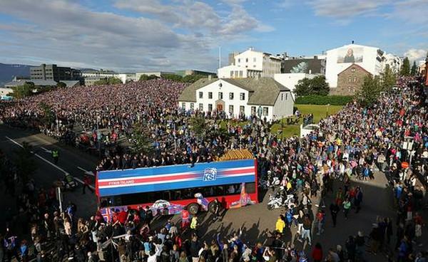 冰岛再现维京战吼