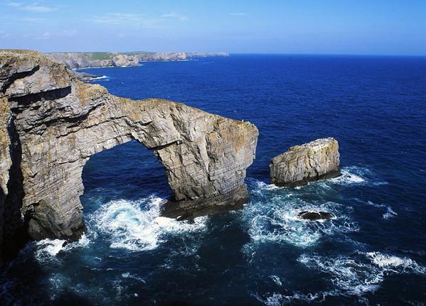 [视频]世界上那些惊艳的岩石拱门