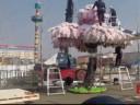[视频]世界最大的乐高樱花树 80多万块积木拼成