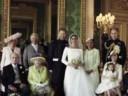 [视频]英国王室公布哈里王子官方结婚照