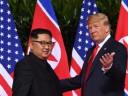 [视频]终于握手!金正恩与特朗普举行会晤
