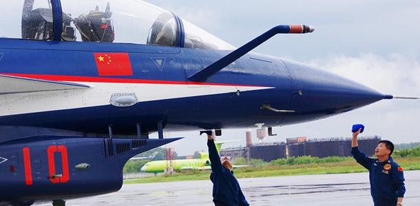 [视频]空军:八一飞行表演队赴俄进行飞行表演