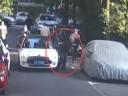 """[视频]上海:老人""""碰瓷""""一小时连蹭三辆车"""